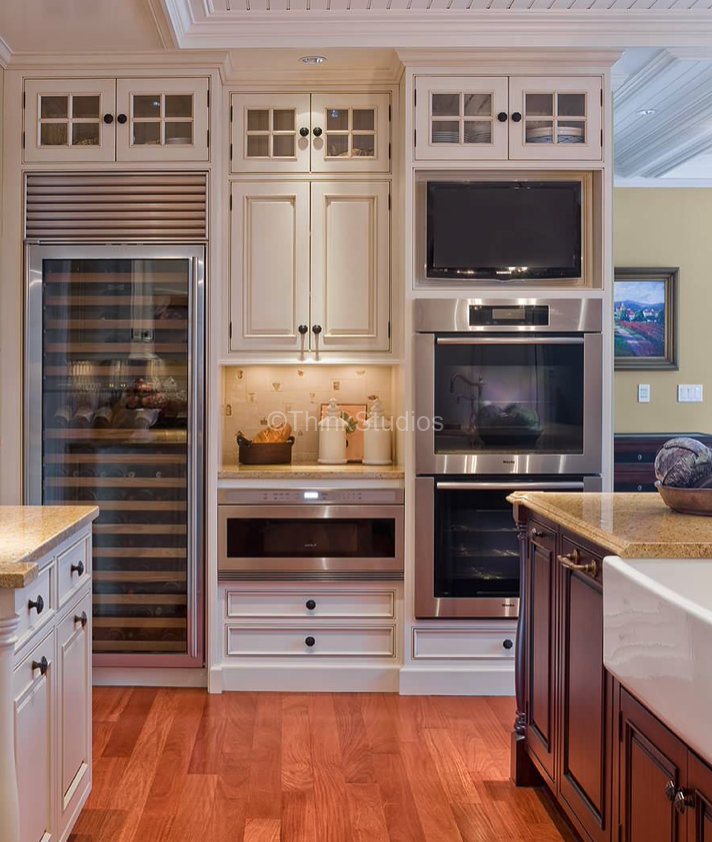 Appliances integrated within the kitchen design